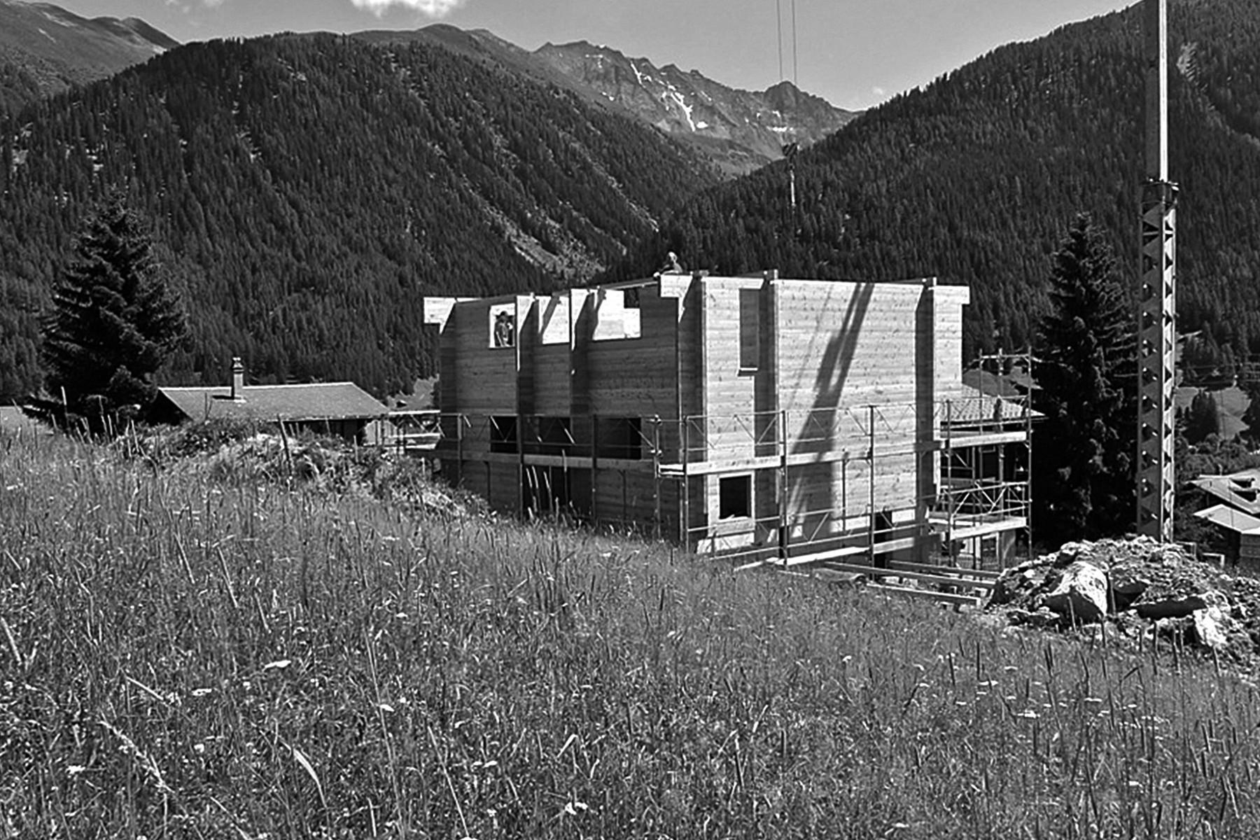 Ein neues Blockhaus entsteht