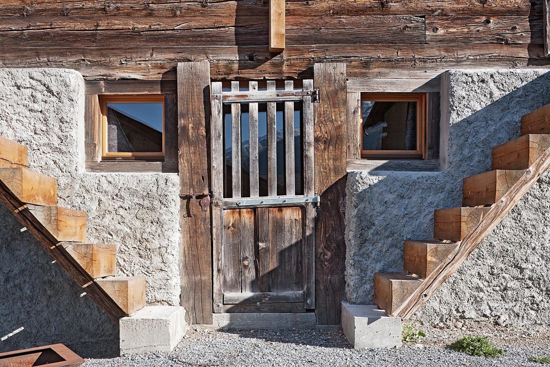 Stall – Treppen – Türe