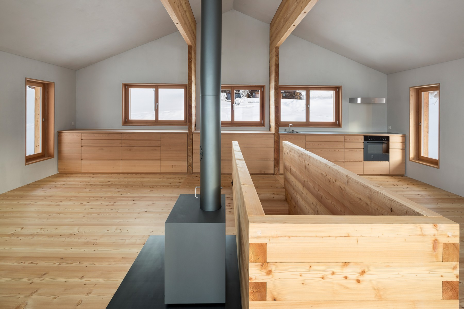 Atelierhaus Reckingen - Küche – Frontansicht